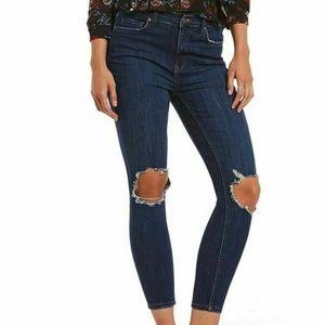 Free People 30R Dark Wash Skinny Jeans 3Z22